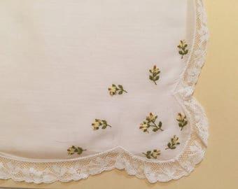 Vintage Handkerchief / Yellow Flowers - Lace Trim
