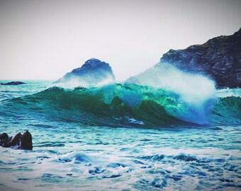 Waves Crashing Photo Print