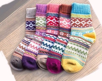 5 PAIRS Winter Socks White Multi Color Wool Blend Mens and Womens