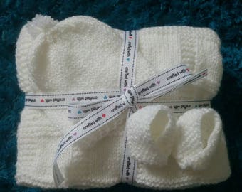 White Sparkle Baby Hat, Blanket and Booties