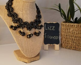 Choker type necklace