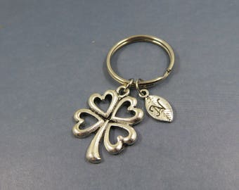 clover flower keychain - personalised clover keyring - porte clé fleur trèfle - lucky present gift - initial letter