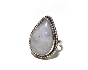 Teardrop moonstone // 925 silver ring