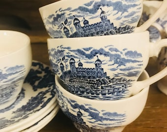 Set Of Four Flat Tea Cup And Saucer Sets By Enoch Wedgwood - Royal Homes Of Britain - England Blue And White Castles Tunstall