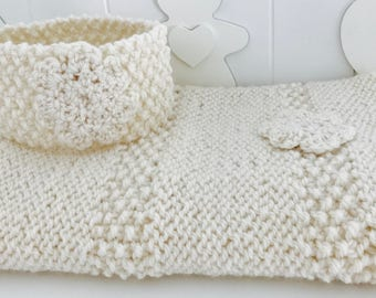 Baby Cover color white cream with flowers created in knit with pure wool. Warm, enveloping, ideal for the cradle and/or stroller.