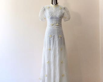 Tailored wedding dress vintage Years 70 white and yellow size small