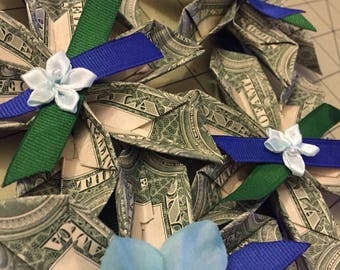 Graduation Money Lei - 9 Flowers