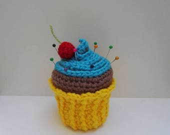 Turquoise cupcake holder pins crochet