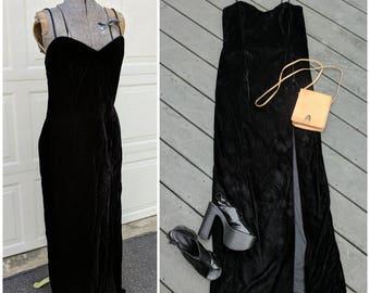 90's Vintage Black Crushed Velvet Maxi Dress || 90s Full Length Spaghetti Strap, Sweetheart Neckline Dress, Small/Medium