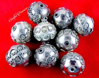 Vintage Bali-Style Silvertone Metal Beads (9) - Jewelry Making