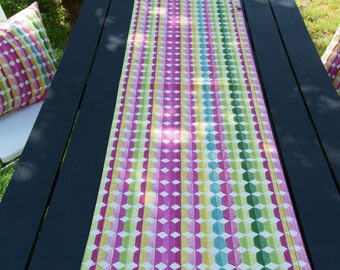 Colorful table runner with stitch hem, 140 x 40 cm