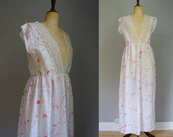 1960s White&Pink Nightgown
