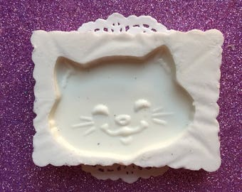 Smiling Cat Mold