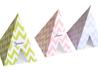 Teepee, Scandinavian colors and style place cards