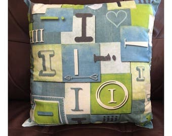 Shabby Look Initial I Throw Pillow