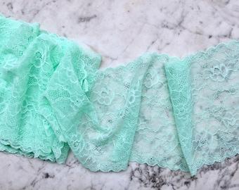 Light mint green lace trim, streth lace, wide stretch lace, double scallop edge, 16cm width • per metre