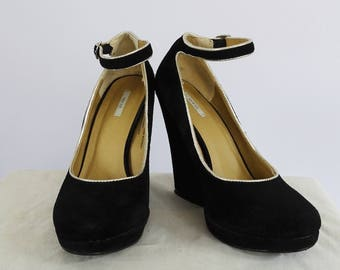 Kimchee Blue Black Suede Wedge Pumps with Gold Piping 7 US