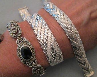 SALE>>Italian Big & Bold Sterling Silver Woven Bracelet>>Beautiful Diamond Cut Design> hefty Weight 35.9gms.> New old stock, never worn