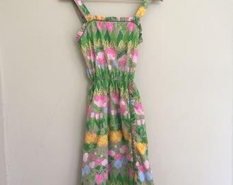 Vintage Tulip Floral Apron Style Dress