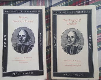Shakespeare Play Books/Prince Hamlet/Tragedy/Macbeth/Antique/Vintage/Black and White Covers/Penguin/Paperback/Set/Softcover/Retro/Classic/