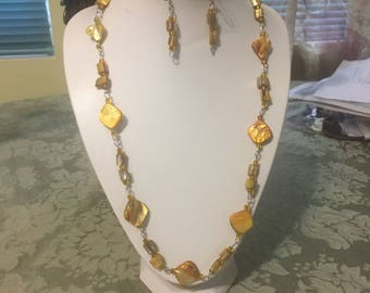 Handmade Yellow Shell Necklace set with matching Earrings and Bracelet