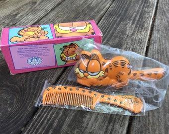 Garfield Brush and Comb Set from Avon