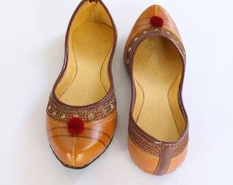 Indian Flat Shoes/Women Shoes/Punjabi Jutti/Orange Shoes/Ballet Flats/Muslim Shoes/Handmade Khussa Bridal Wedding Women Shoes