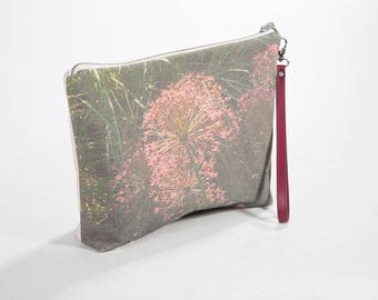 GREEN GRASS POUCH