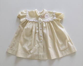 Vintage years 60 baby dress in cotton structured yellow summerstyle, 1 year