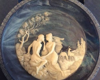 Vintage 1984 Incolay Studios Cameo Collector Plate / Limited Edition/ The Isle Of Circe By Alan Brunettin / The Voyage Of Ulysses