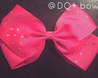 Have an outfit but need a bow to match it? I'm your girl; I do custom! Message me