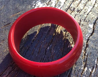 Chunky red wine plastic bangle
