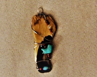 Hand made Spoth Western Indian Jewelry petrified wood pendant.