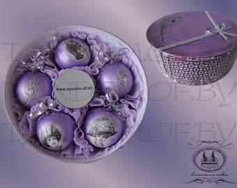 Set of Christmas balls 'Ladies' vintage style