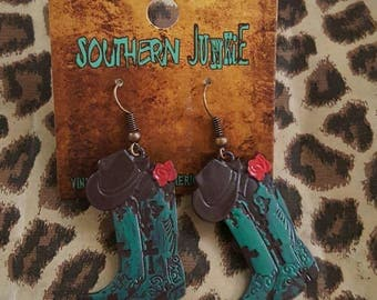 Cowboy boots dangle earrings!