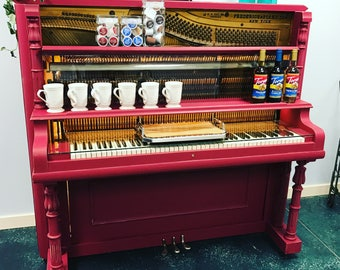 Unique Piano Bar