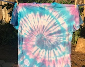 tie dye baby blue and pink spiral