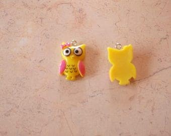 """Owls"" yellow colored resin charms"