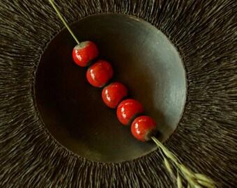 CERAMIC BEADS - Set of 2 raku beads - red an black -