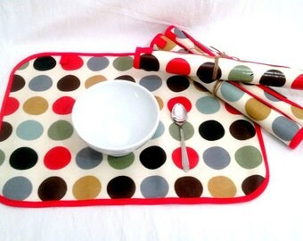 Set of 4 place mats in big round multi-color coated