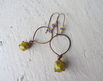 ethnic dangle earrings in copper wire, seed beads and charm drop yellow Lampwork Glass with purple dots, original earrings