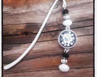Silver charm bookmark black/white beads and cabochon