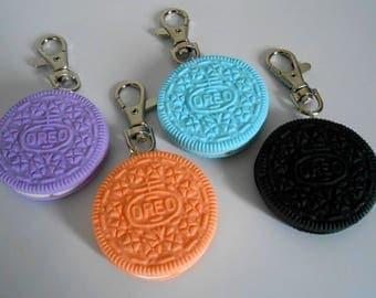 Life-size Oreo keychain