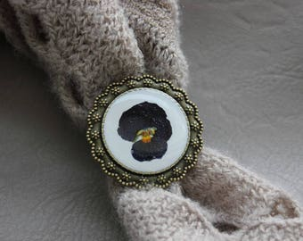 Ring round Bronze 3.5 cm in resin and dried dark blue pansy flower