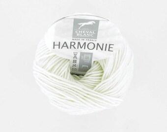 HARMONY No. 011 white horse white color yarn