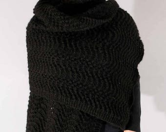 Hand knitted black shawl in Alpaca and silk