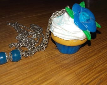 blue flower cupcake necklace