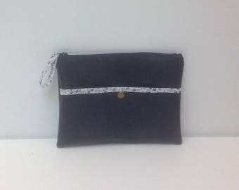 FLAT clutch in faux leather with a Pocket