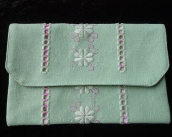 "Cotton fabric and embroidered green pouch ""hardanger"""