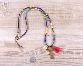 """Long necklace, shell cowrie, multicolored """"ashanti"""" fertility, African beads, tones rocailes doll."""